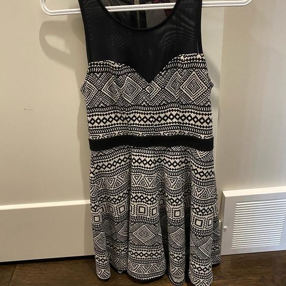 -Cute trendy summer dress.